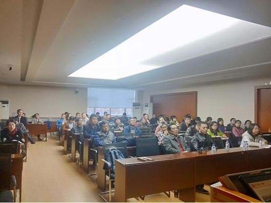 "The school of mathematics holds a party class on the theme of ""never forget your original intention and keep your mission in mind"""